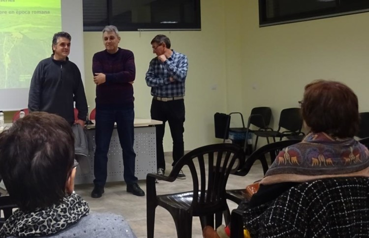 Benissanet: Francesc Xavier Arbó  i Cot (alcalde de Benissanet) , Joan Josep Duran (CERE), Joan Martínez (GENCAT)
